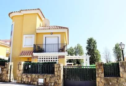Casa en Excelente Chalet en Sabinillas