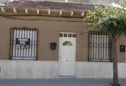 Casa en calle La Paz, nº 27