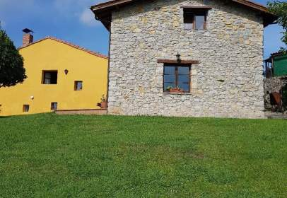 Casa en Oriente - Colunga