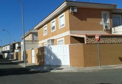 Casa adosada en calle Avenida de Andalucia
