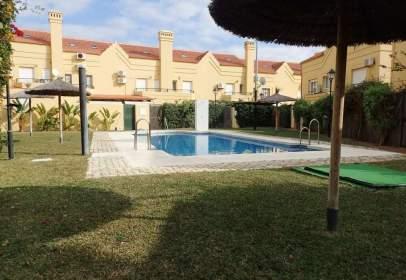 Casa adosada en Vistahermosa-Fuentebravia
