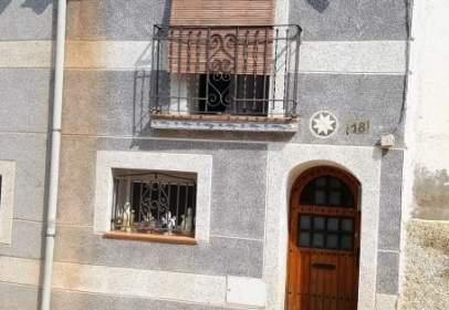 Casa en Escatrón