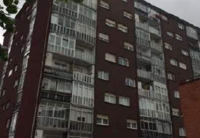 Flat in calle Leturias, nº 2