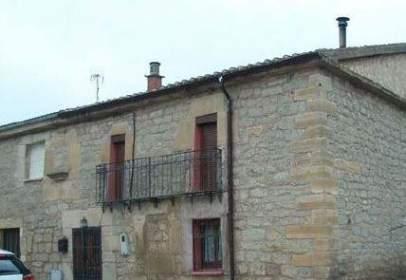 Casa pareada en calle San Roque, nº 16