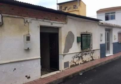 Casa adosada en calle Palmera, nº 6