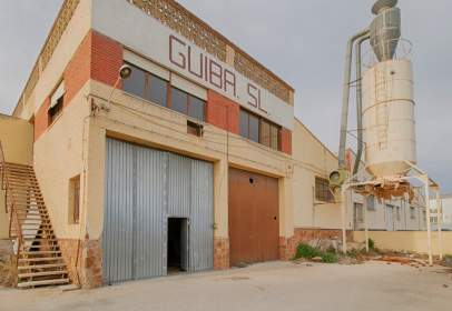 Industrial Warehouse in calle Retorta, nº 7