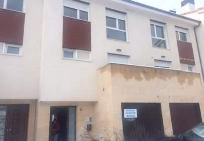 Casa adosada en calle La Resinera, nº 6