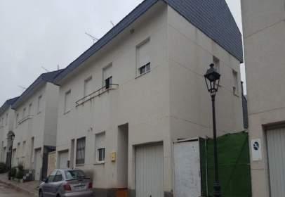 Casa en calle Mirador de Albares, nº 6
