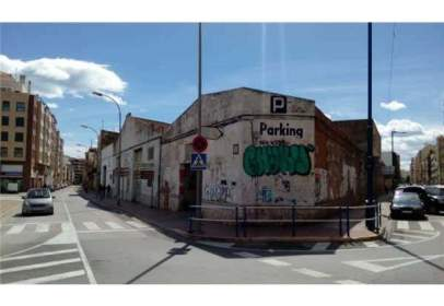 Land in Carrer del Puente