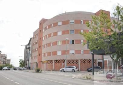 Local comercial en calle Avda. Zaragoza, nº 103
