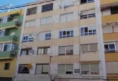 Apartamento en calle San Andre
