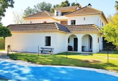 Chalet in Residencial