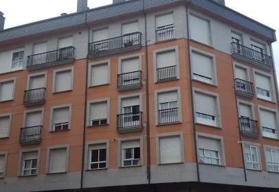 Piso en Avenida de Bierzo, cerca de Calle de Vicente Risco