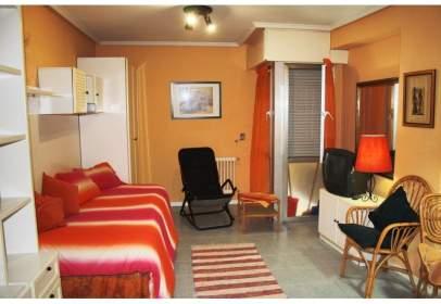 Studio in Estudio en Alquiler en Auditorio Seminario Oviedo, Asturias