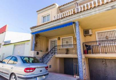 Duplex in Los Montesinos