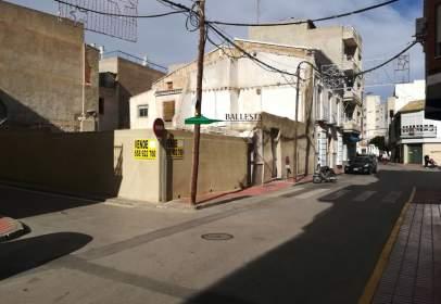 Terreno en calle Mayor, cerca de Calle de la Palma