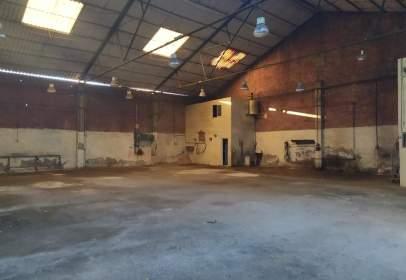 Nau industrial a Carrer de la Vilavella, prop de Carrer de Soneja