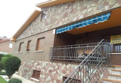 Chalet in Urbanización Mansilla del Esla, nº 130