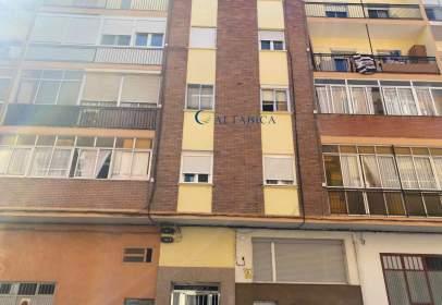 Flat in calle de Cartagena, 6