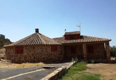 Rural Property in Urbanización