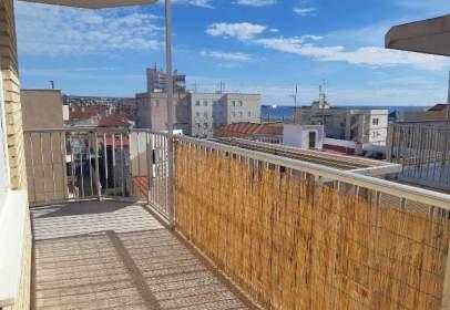 Apartament a Avinguda de Cristóbal Sanz, 10