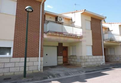 Casa adossada a Rivas