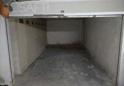Garage in calle de Zarandona, 20