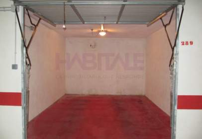 Garage in calle Arquevisbe Vich, nº 15