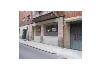 Commercial space in calle del Palacio Valdés, nº 16