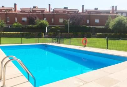 Casa adossada a Torrero-La Paz-Parque Venecia