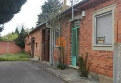 Casa en calle de los Ares