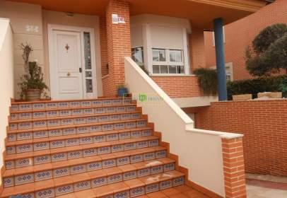 Casa pareada en Villaquilambre