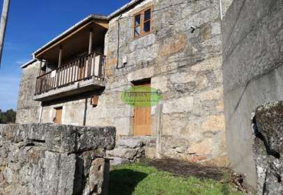 House in Cenlle