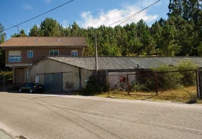 Nau industrial a calle Pociñas, Parroquia de Rebordans -