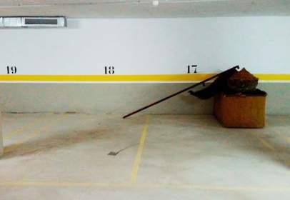 Garage in calle de Pardo Bazán, 19, near Calle de Rosalía de Castro