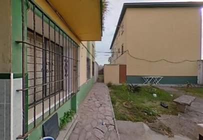 Flat in calle Pedreras, near Calle Prim