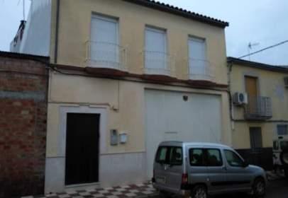 Casa en calle de Santa María, cerca de Calle de la Batalla de Munda