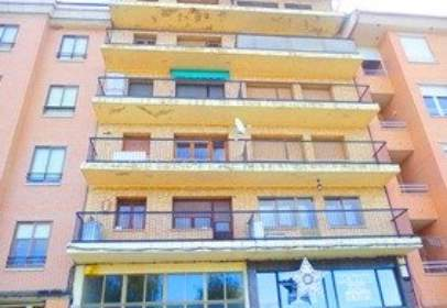 Flat in calle Piña Merino, nº 7