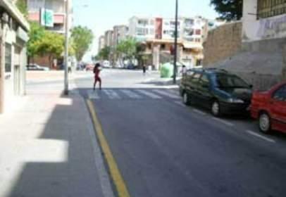 Pis a Avenida Cuarzo-, nº 8