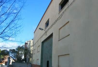 Nave industrial en Avenida Pablo Casals y Salzillo, nº 23