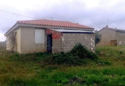 Chalet en Avenida Villarino Tras La Sierra, nº 3