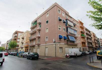 Flat in calle Capitan Alfonso Vives, nº 67