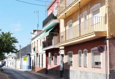 Pis a calle del Arcipreste Julio Mata, nº 18