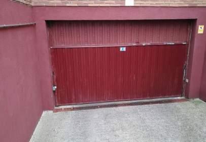 Garage in calle de Miguel Delibes