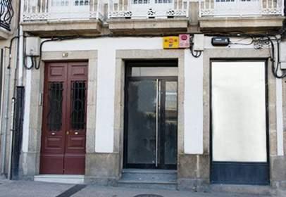 Local comercial en Avenida Linares Rivas, nº 49