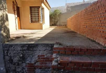 Xalet a calle de la Ronda de los Molinos, prop de Calle Urda