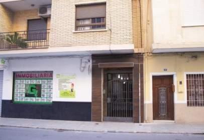 Pis a calle Gomez Ferrer, nº 48