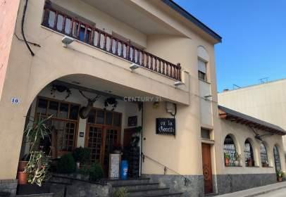 Local comercial en calle Mestre J. Lladós
