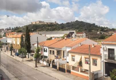 Piso en Avenida de la Reina María Cristina, cerca de Calle de la Conquista de la Sierra