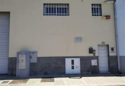 Nave industrial en calle Mario Vega Artiles, nº 17
